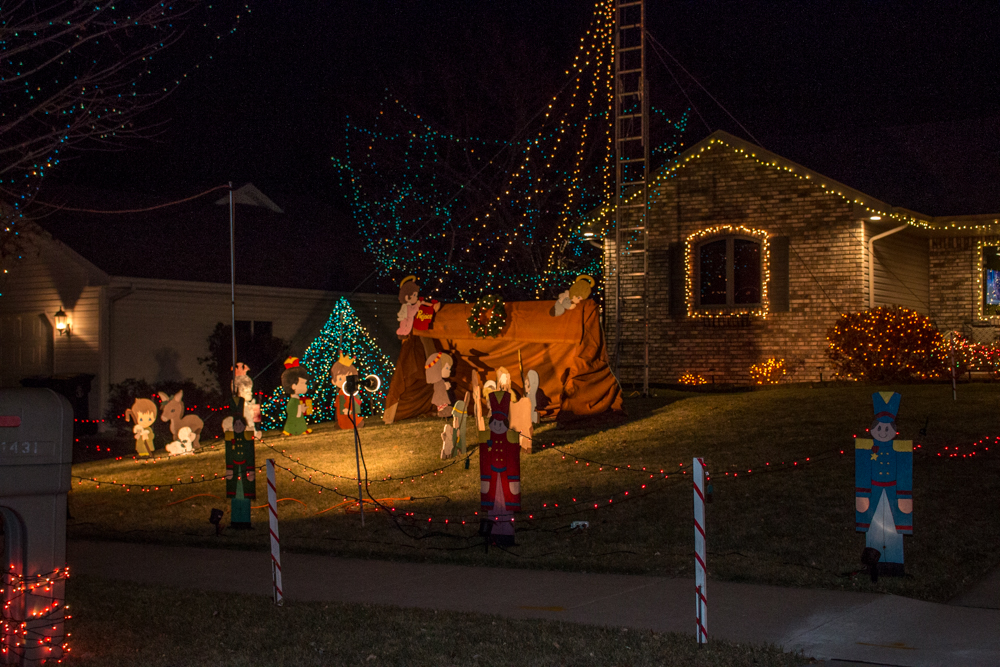 Hoove Ave Little Chute Christmas Lights