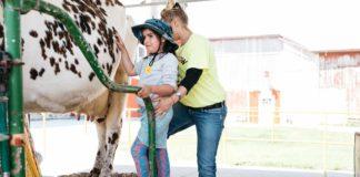 Mulberry Lane Farm Petting Zoos