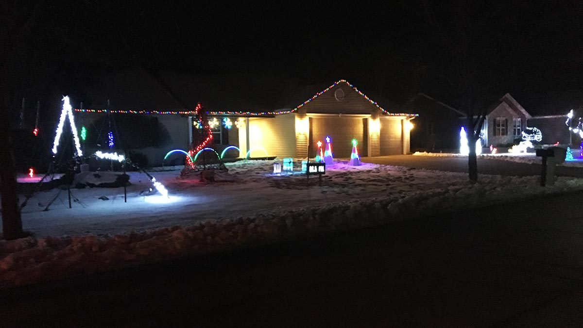 W7191 Sunfield Dr Greenville Christmas Lights