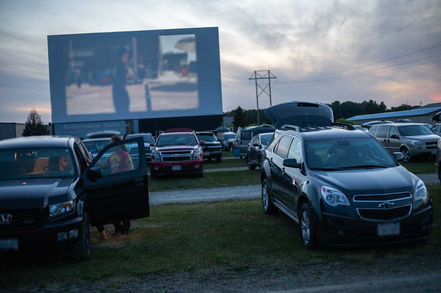 Fox Valley Drive In Movie Theater Is Open For 2020
