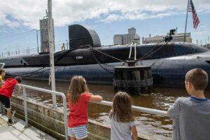 Manitowoc submarine