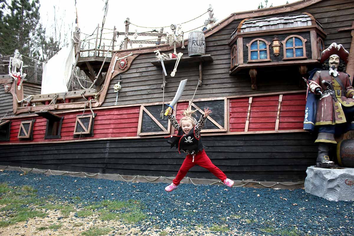 pirate ship adventure near Wisconsin dells